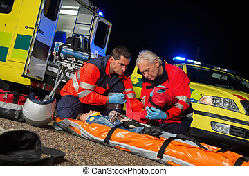 firstaid, give, chauffør, motorbike, paramedics