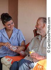 give, sygeplejerske, medikament, senior mand