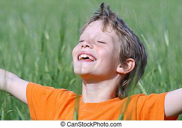sommer, øjne, udstrakt, sol, arme, aflukket, barn, smil, nyd, glade