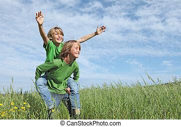 sommer kids, anfald, sunde, piggyback, udenfor, aktiv, spille, glade