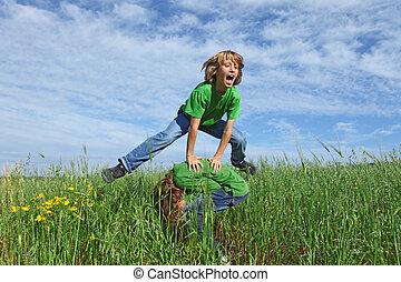 sommer kids, sunde, leapfrog, udendørs, spille, glade